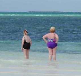 abuelas en la mar
